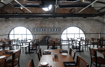 bal-bs-sc-boathouse-p3-review-p-20140515